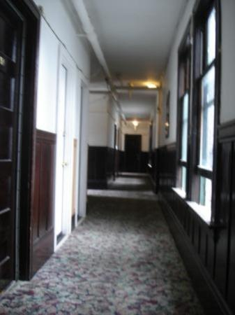 Hotel North Beach: Hallway