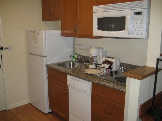 TownePlace Suites San Jose Campbell: Mini-kitchen