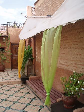Riad Quenza: Part of roof terrace