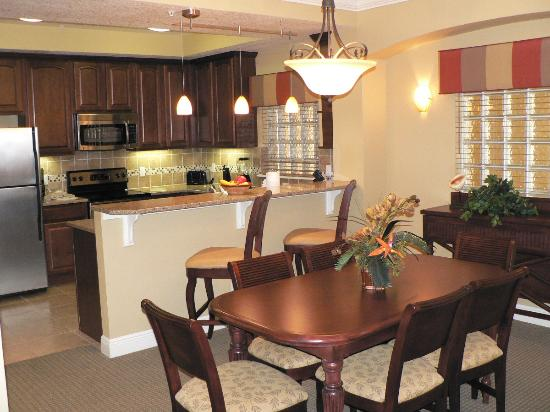 Lighthouse Key Resort and Spa: Kitchen and dining area