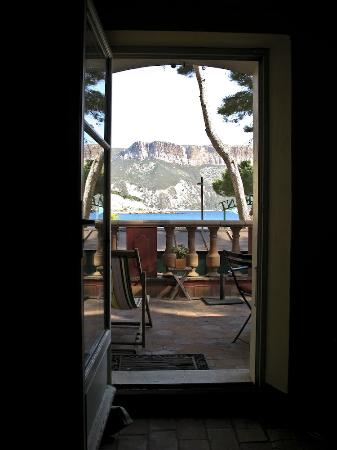 Jardin d'Emile: Morning, seen from the room in Cassis