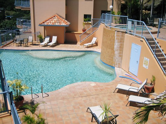 Sea Star Apartments: The pool