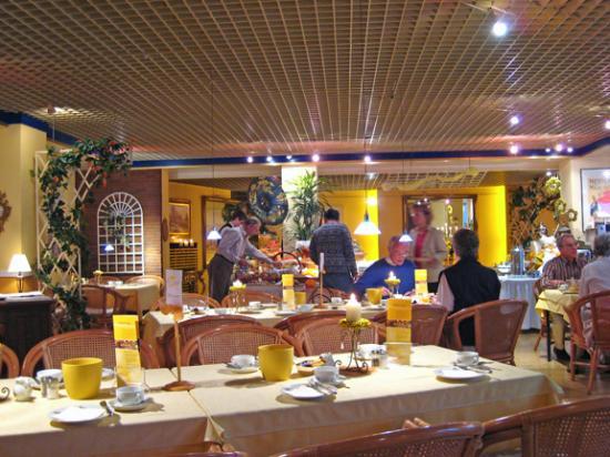 City Hotel Ost am Kö: Breakfast room