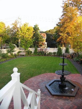 Hotel Fauchere: Fauchere Garden, Milford, PA