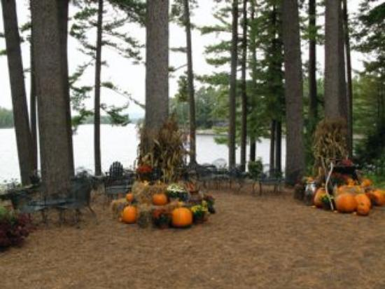 Migis Lodge: Autumn decorations