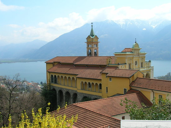 Локарно, Швейцария: Locarno Monestary on Mountain top