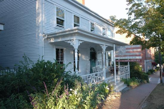 Marston House Wiscasset: The Marston House antique shop