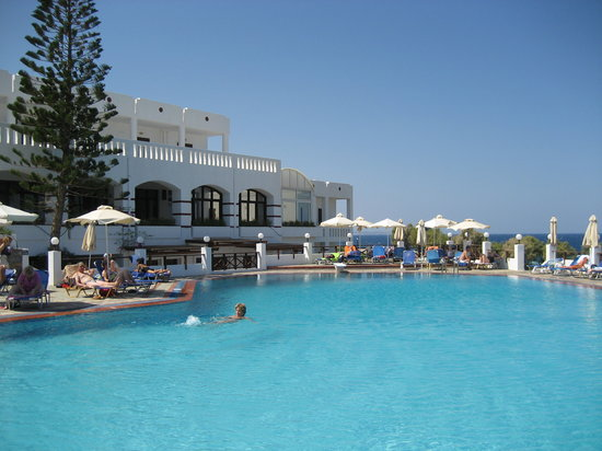 Maritimo Beach Hotel : Main pool