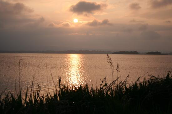 Bayly Farm: Lough Derg Sunset