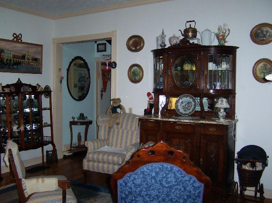 Armistead Cottage: Sitting room 2