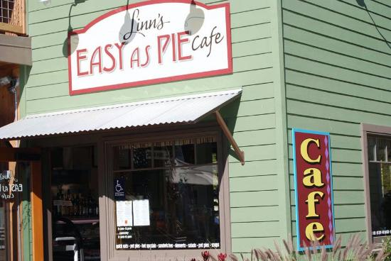 Linn's Easy As Pie Cafe: Front of the Easy As Pie Cafe