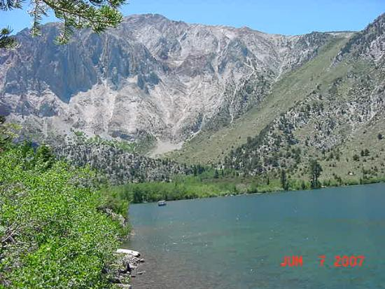 Convict Lake Resort: Early Morning Mountains