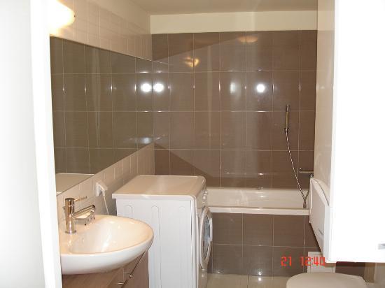 Kazimierz De Luxe Apartments: Shower?