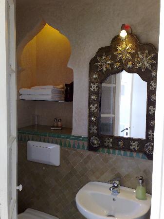 La Tangerina: The small but well designed bathroom
