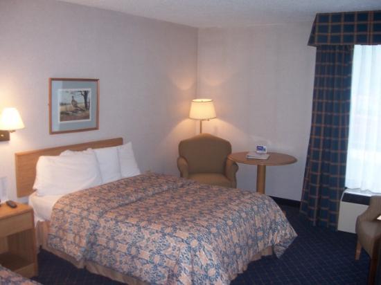 Atria Inn & Suites: My room