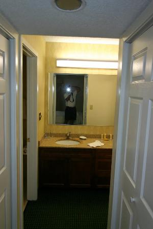 Residence Inn Buffalo Amherst: Bathroom