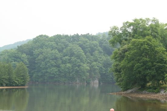 Warriors' Path State Park : a view of the lake