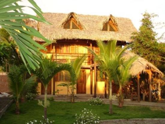 Las Tunas, Ecuador: Una Cabaña en Hosteria LaBarquita