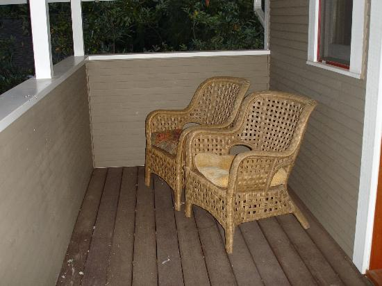 Cowslip's Belle B & B and Boutique Vacation Rentals: cowslip belle upper suite balcony