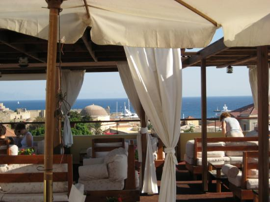 Minos Pension & Roof Garden Lounge: Rooftop