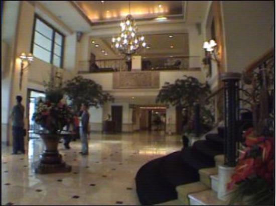 Hotel Borobudur Jakarta : The entrance