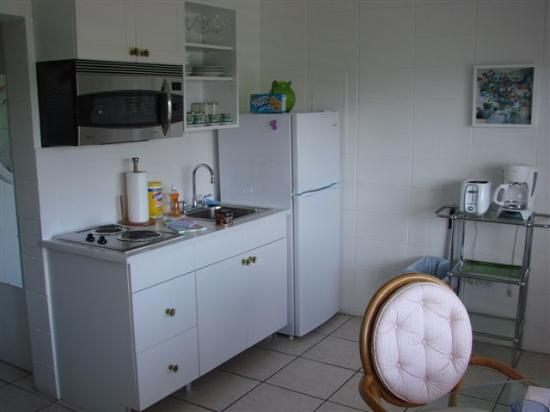 South Beach Place: Kitchen area