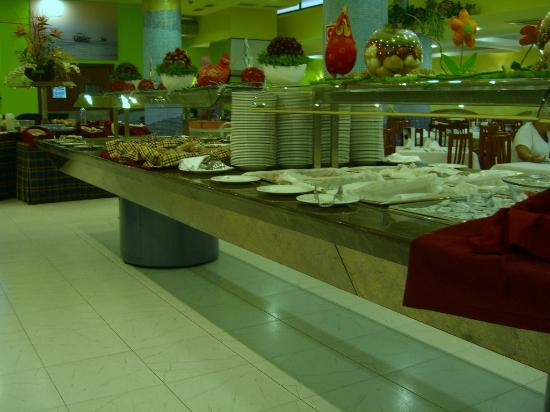 Aparthotel Olimar II: Breakfast buffet