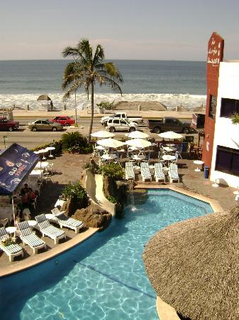 Olas Altas Inn: pool and ocean view