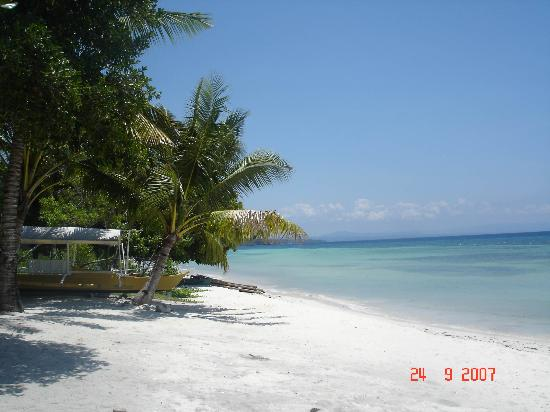 Amarela Resort: Just 5 minutes walk to Alona Beach