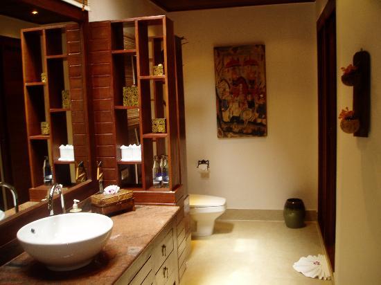 thai bathroom. Rocky s Boutique Resort  Thai decor in the bathroom Picture of