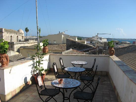 Aretusa Vacanze : the roof terrace