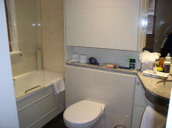 Fraser Suites Queens Gate: G03 Bathroom - kind of small but workable