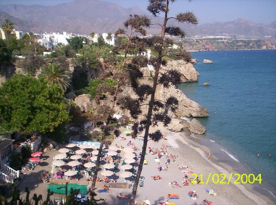 Hotel Plaza Cavana: Beach from the Balcon De Europa