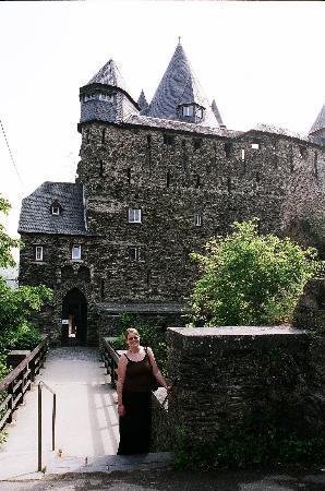 Jugendherberge Burg Stahleck: The entrance to the castle/hostel