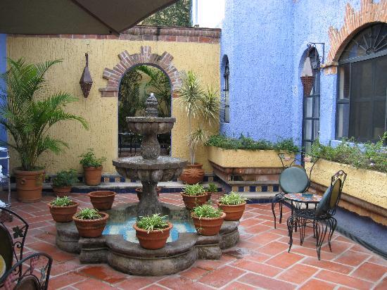 La Villa Del Ensueno Hotel: One Of The Patios