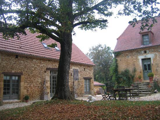 La Roche d'Esteil: Dining room to the left