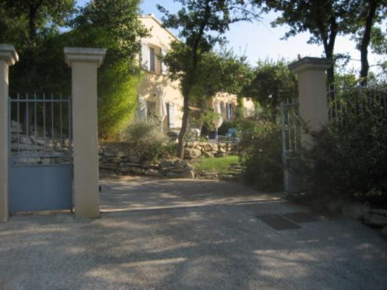 Les Restanques : Front Entrance