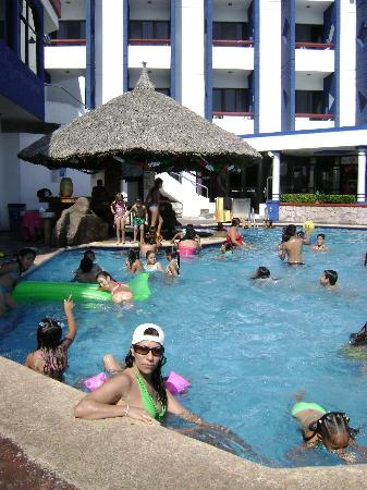 Olas Altas Inn: Pool Bar