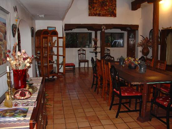 Orinda Bed and Breakfast: Common area..there's apple pie waiting