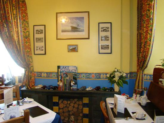 Adam Place Guest House: Breakfast room