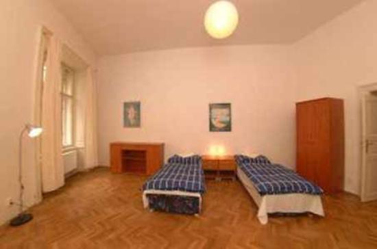 Dlouha Apartments : bedroom 2