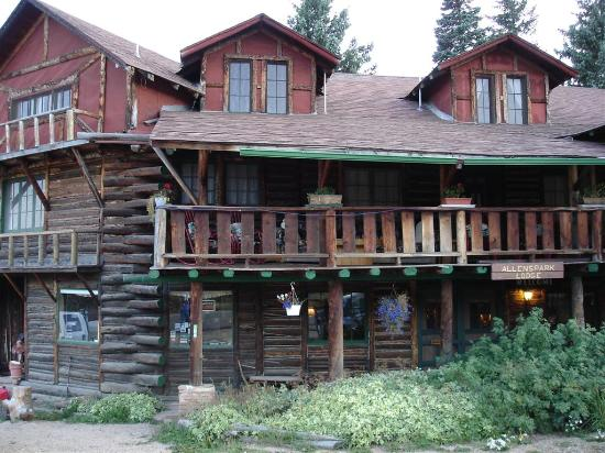 Allenspark Lodge: Exterior