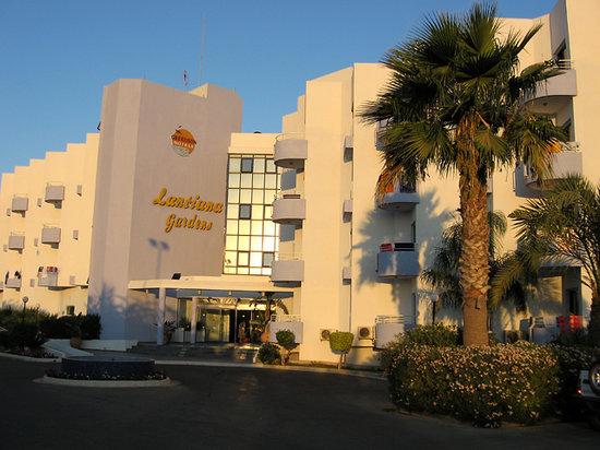 smartline Lantiana Gardens: Exterior view of Hotel