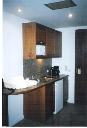 Sani Beach : kitchen in porto sani village suite