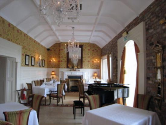 Admiralty lodge reviews ennis county clare tripadvisor for The dining room ennis
