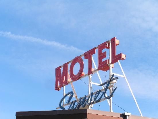 Sunset Motel: Wellcome!