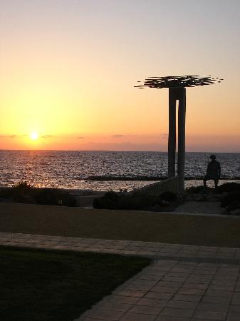 Helios Bay Hotel: sunset