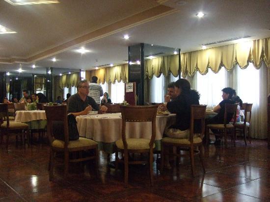 Lion Hotel: Breakfast1