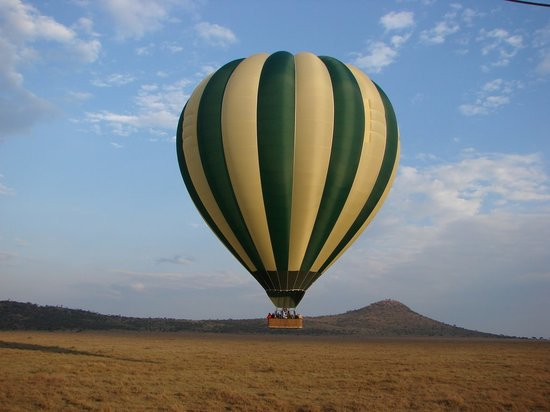 Serengeti National Park, Tanzânia: Balloon in Flight