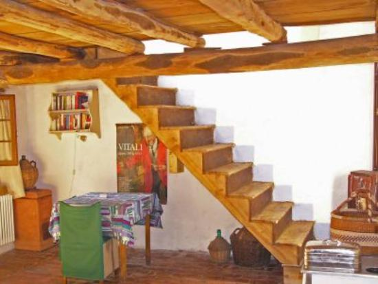 Il Giardino Segreto: living area conjoins with kitchen.dining